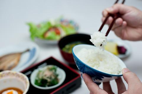 和食中心の質素な食事をこころがけよう